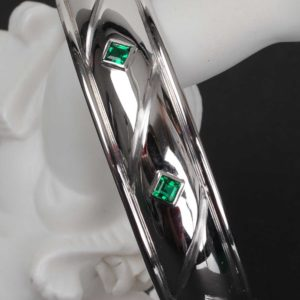 Creation Bracelet Or Gris et Emeraude  - Création Le Caroubier Bijoutier Joaillier Tours
