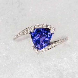 Bague Tanzanite et Diamants - Création Le Caroubier Bijoutier Joaillier Tours