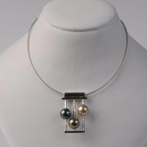 Collier Pendentif Perles de Tahiti  - Création Le Caroubier Bijoutier Joaillier Tours